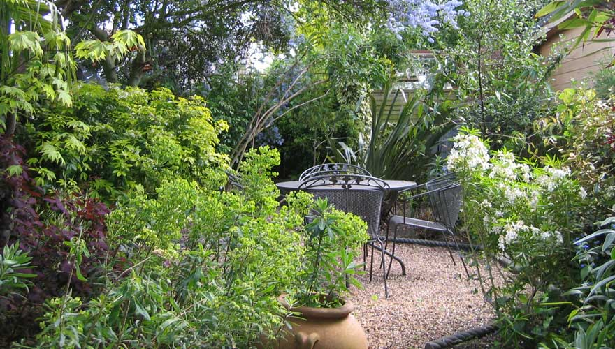 Willing landscape garden designs small for Small city garden designs
